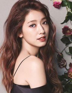 Revealing a variety of lipstick colors along with different appearances, Park Shin Hye shows the fashion lip colors heading into fall from Mamonde True Color Lipstick. We think she looks lovely and… Asian Celebrities, Asian Actors, Korean Actresses, Korean Actors, Actors & Actresses, Celebs, Park Shin Hye, W Kdrama, Kdrama Actors