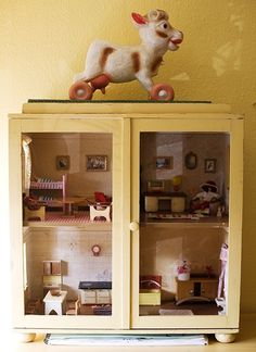 doll house in a cabinet - my girls never use their big dolls house, they make cardboard ones instead. Think this would be more practical and creative then the huge dolls house, and it's storage too Dollhouse Dolls, Dollhouse Miniatures, Vintage Dollhouse, Victorian Dollhouse, Modern Dollhouse, Dolls Dolls, Reborn Dolls, Reborn Babies, Baby Dolls