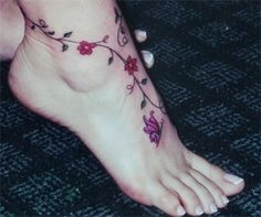 There's something very feminine about foot tattoos tallsteff