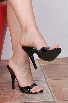 sexy foot in heel
