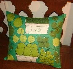 Vintage Vera Apple and Pear Green Linen by NopalitoVintageMore, $80.00