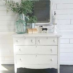 So can anybody relate to trying to take a pic of something with a mirror and not actually seeing yourself in the mirror for the photo? Upcycled Furniture, Painted Furniture, Modern Furniture, Decorative Items For Bedroom, Boston Terrier, Rustic Farmhouse Decor, Farmhouse Style, Couch, Home Decor Inspiration