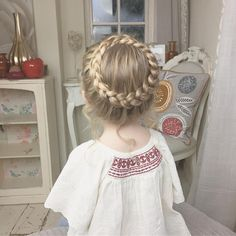 My little angel Baylee I'm thinking of doing a tutorial for this style? #SweetHearts #halobraid #trenzas #braids #braidsforlittlegirls #modernsalon #americansalon #behindthechair