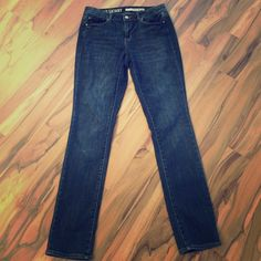 DKNY Soho Skinny jeans Great condition DKNY jeans. Very soft fabric, excellent used condition. 30 inch inseam. Happy to answer any questions! DKNY Jeans Skinny