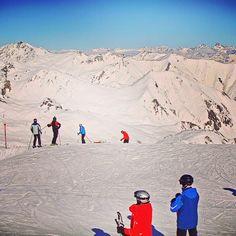 Ein traumhafter Skitag neigt sich langsam dem Ende zu.  Besser kann die Woche nicht beginnen! #ischgl #relaxifyoucan #hotelbrigitte #skiing   www.hotel-brigitte-ischgl.at