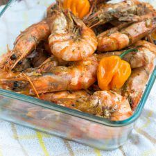 Jamaican hot pepper shrimp - That Girl Cooks Healthy - Seafood Recipes Jamaican Cuisine, Jamaican Dishes, Jamaican Recipes, Jamaican Oxtail, Haitian Recipes, Healthy Cooking, Cooking Recipes, Healthy Recipes, Oven Recipes