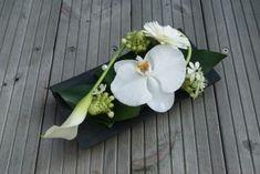 Calla, Floral Hoops, New Years Decorations, Ikebana, Funeral, Wedding Details, Floral Arrangements, Floral Design, Centerpieces
