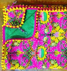 Beach Look, Vera Bradley Backpack, Fabric Crafts, Couture, Diy Quilting, Outdoor Blanket, Quilts, Sewing, My Style