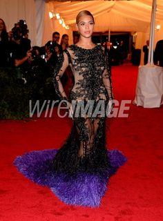 Beyonce. My favorite Lady!!