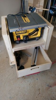 Mobile stand for my new table saw-2014-04-05-16.24.51.jpg