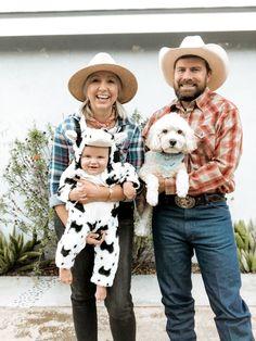 cow and farmer family Halloween costume ideas with baby and dog! 3 Family Halloween Costumes, Mom And Baby Costumes, Baby First Halloween Costume, Mom Costumes, Costume Ideas, Halloween 2020, Halloween Ideas, Kawaii