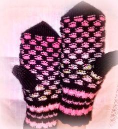 Knit Mittens, Knitting Socks, Slipper Boots, Art Nouveau, Knit Crochet, Gloves, Knits, Patterns, Knit Socks