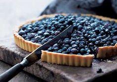 Tarte aux myrtilles / Blueberry pie (pour la pate, sinon recette de maman - 500g de myrtilles surgelees melangees a 1/4 cup farine, 1/4 cup sucre et 2 cas maizena)