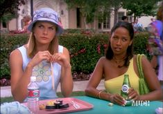 dionne from the clueless tv show bringing tiny beaded bags into Clueless Fashion, 2000s Fashion, Fashion Outfits, Kids Shows, Tv Shows, 2000s Hairstyles, Spring Aesthetic, Black Actresses, Character Outfits