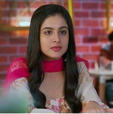 @Shavia💕 Beautiful Indian Actress, Beautiful Women, Tunisha Sharma, Teen Girl Photography, Child Actresses, Celebrity Wallpapers, Cute Girl Face, India Beauty, Bollywood Actress