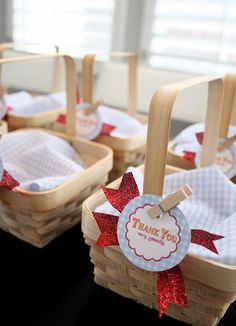 Adorable Favors at a Wizard of Oz party #wizardofoz #party