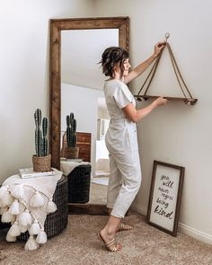 129 most stylish boho master bedroom decorating ideas 6 Farmhouse Bedroom Decor, Diy Bedroom Decor, Living Room Decor, Diy Home Decor, Decoration Inspiration, Room Inspiration, Rope Shelves, Boho Room, Interior Design