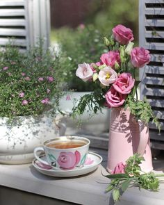 forever - Best of Wallpapers for Andriod and ios Good Morning Coffee, Coffee Time, Gd Morning, Tea Time, Beautiful Flower Arrangements, Beautiful Flowers, Coffee Flower, Cottage Garden Design, Pink Garden
