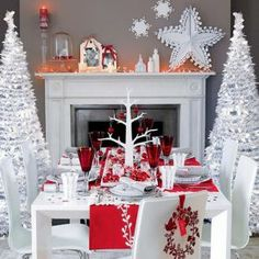 Beautiful red white Christmas Dining Room Design Ideas With Amazing Christmas Tree Elegant Christmas Decor, Christmas Trends, Christmas Table Decorations, Noel Christmas, Modern Christmas, Decoration Table, Christmas Inspiration, Beautiful Christmas, White Christmas