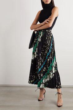 Black silk-taffeta Concealed zip fastening along side silk Dry clean Imported Royal Fashion, 70s Fashion, Fashion 2020, Modest Fashion, Fashion Outfits, Vogue Online, Lawyer Fashion, Silk Taffeta, Erdem