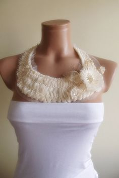 FREE SHIPPING detachable peter pan collar by trendycollars on Etsy, $17.90