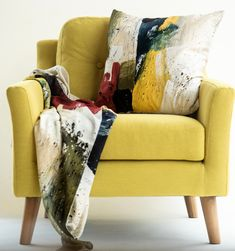Bringing the sunshine inside with our Wildscape cushions. A new limited edition just in 🌞 100% smooth cotton with yellow piping around the edge. We include a generous fill duck feather pad with 100% cotton lining. #style#textileprints#creative#mixedmedia#contemporarydesign#scarves#textileart #interior #interiordesign #luxury #interiors #homedecor #design #decor #home #interiorinspiration #homeaccessories #cushions