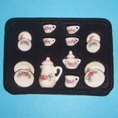 Service en porcelaine - ACO103 1/12ème #maisondepoupées #dollhouse #service #meuble #furniture #miniatures #miniature #porcelaine #porcelaine