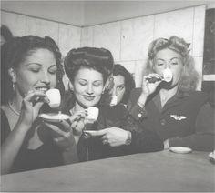Brasil, década de 1950. Fotografia: José Medeiros (100 anos de fotografia e moda no Brasil, Luste editores)