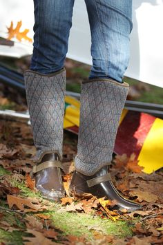 Awesome boots from Sperry     Classy Girls Wear Pearls: Head of the Charles Regatta