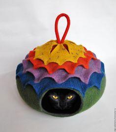Купить Погремушка. Валяный шерстяной домик-норка для животных. - комбинированный, кошка, собачка, домик