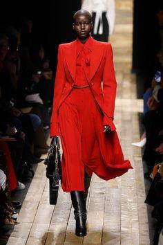 Korean Fashion Tips Michael Kors Heads West for Fall 2020 - Fashionista.Korean Fashion Tips Michael Kors Heads West for Fall 2020 - Fashionista Fashion Week, New York Fashion, Love Fashion, High Fashion, Fashion Show, Autumn Fashion, Vintage Fashion, Fashion Design, Fashion Trends