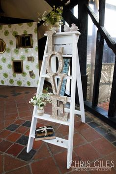 Stepladder with Love letters on Geek Wedding, Wedding Stage, Farm Wedding, Chic Wedding, Wedding Reception, Rustic Wedding, Small Step Ladders, Small Ladder, Coral Wedding Colors