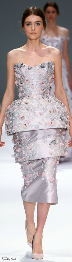 Explore the looks, models, and beauty from the Ralph & Russo Spring/Summer 2015 Couture show in Paris on 29 January with show report by Lauren Milligan Women's Dresses, Short Dresses, Fashion Dresses, Runway Fashion, High Fashion, Fashion Show, Fashion Brands, Luxury Fashion, Dolce & Gabbana