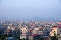 """Todo el mundo sabía desde hace años que cuando un terremoto sacudiera a Nepal, ubicado en una de las zonas sísmicas más activas del sur de Asia, la cantidad de muertos y los daños serían descomunales. """"Se estima que las pérdidas humanas, solo en el valle de Katmandú, en caso de un evento sísmico importante, serán catastróficas"""", advirtió Mahendra Bahadur Pandey, el ministro de Asuntos Exteriores de Nepal, en la Conferencia Mundial de las Naciones"""