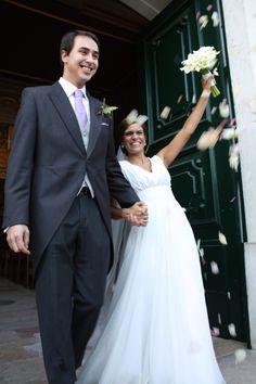O vestido de noiva adaptado da Filipa. #casamento #vestidodenoiva #noivos #Portugal #igreja