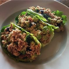 Tuna Salad Lettuce Wraps - 21 day fix lunch --> Could be done with chicken salad too!