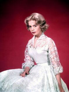Sandra Dee in Imitation of Life Sandra Dee, Hollywood Actresses, Actors & Actresses, Hollywood Icons, Troy Donahue, Bobby Darin, Famous Stars, Budget Fashion, Vintage Skirt