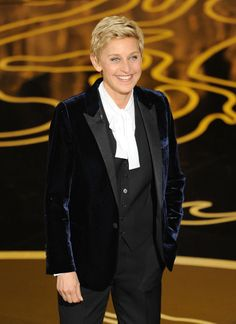 Ellen Degeneres in a velvet blazer at the Oscars. #AcademyAwards
