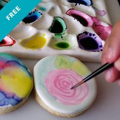 Skill Level: Newb Guest Instructor Angela Nino shows how to make edible watercolor washes. Cake Decorating Courses, Creative Cake Decorating, Cake Decorating Tutorials, Creative Cakes, Cookie Decorating, Decorating Hacks, Iced Cookies, Sugar Cookies, Sweets Recipes