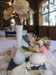 vintage wedding table decor'