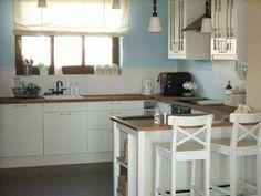 białe kuchnie z drewnianym blatem - Szukaj w Google