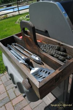 Organize grill accessories with this DIY grill tool box! This makes a great gift for dad or the BBQ master in your family! Utensil Storage, Tool Storage, Diy Storage, Storage Ideas, Bbq Tools, Camping Tools, Camping Equipment, Diy Grill, Bbq Diy