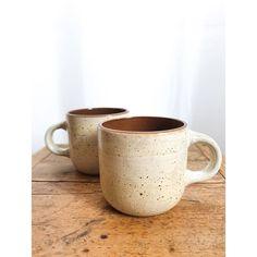Le grand café du matin, le petit chocolat chaud du goûter ou le thé du soir : toutes les excuses seront bonnes pour utiliser ces tasses ! 😊😊⠀ Prix : 7€ le lot.⠀ Contactez-moi en message privé pour plus d'infos !⠀ #lesesthètes⠀ .⠀ .⠀ .⠀ #nantescity#nantesmaville#nantespassion#igersnantes#igers44#nantesvintage#secondemain#brocanteenligne#brocantestyle#consommationresponsable#economiecirculaire#instabroc#vintagedesign#instavintage#chiner#trouvaille#decorationdinterieur#decoration