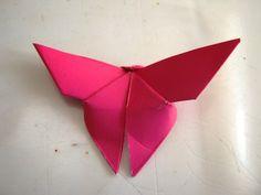 Kelebek Sanat Etkinliği | MiniMiniyiz Origami Butterfly Easy, Paper Roses, Paper Crafts, Diy, Butterflies, Creative Crafts, Creativity, Tissue Paper Crafts, Bricolage