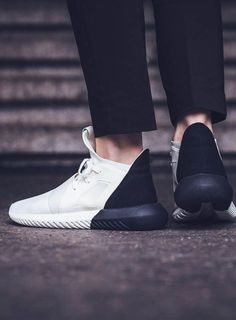 ADIDAS Women's Shoes - Tubular Defiant in off-white black! - Find deals and best selling products for adidas Shoes for Women Tennis Sneakers, Sneakers Mode, Sneakers Fashion, Fashion Shoes, Shoes Sneakers, Black Sneakers, Sneakers Adidas, Adidas Outfit, Adidas Shirt