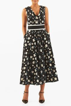 Our wildly flattering floral print crepe dress is shirred and pleated to perfection for a fabulous midi that keeps you looking gorgeous and feeling right at home during any occasion.