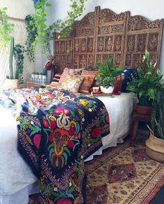 65 Incredible DIY Boho Chic Bedroom Decor Ideas - Bohemian Home İdeas Bohemian Bedroom Diy, Bohemian Interior, Home Interior, Interior Design, Bohemian Style Bedrooms, Kitchen Interior, My New Room, Home Design, Design Ideas
