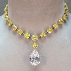 Yellow stones and diamond necklace designs Crystal Necklace, Necklace Set, Bridal Jewelry, Gemstone Jewelry, Fine Jewelry, Unique Jewelry, Jewellery, Mellow Yellow, Pandora Jewelry