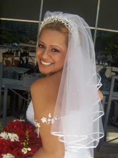 Linda noiva do Canadá... usa semijóia na cabeça e bracelete... Regimille