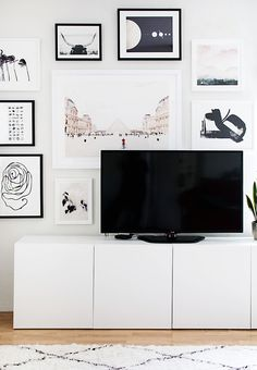 TV gallery wall